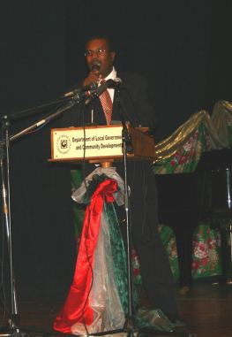 hon_julius_timothy_at_roseau_city_council_inauguration_2007.jpg