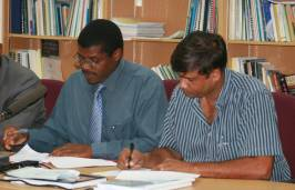 contract_signing_airport_road_august_2008.jpg