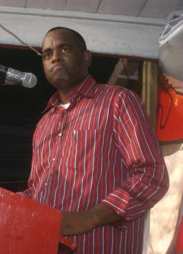 pm_skerrit_at_dlp_meeting_lagoon_nov_2009.jpg