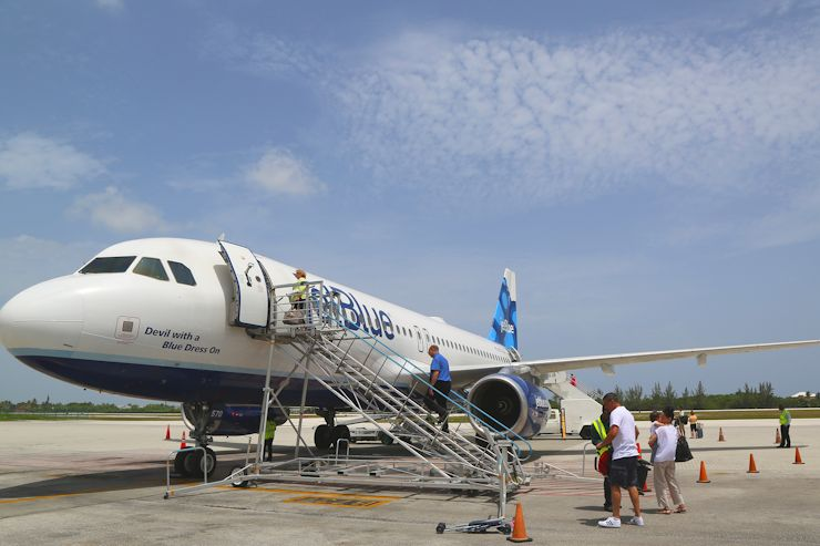 JetBlue flight from New York forced to make emergency landing 1