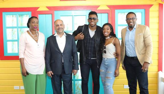 """Antigua and Barbuda Welcome""""The Voice"""" Winner Chris Blue & Wife for their Honeymoon 4"""