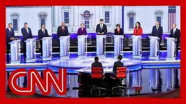 CNN commentators recap first 2020 Democratic presidential debate 10