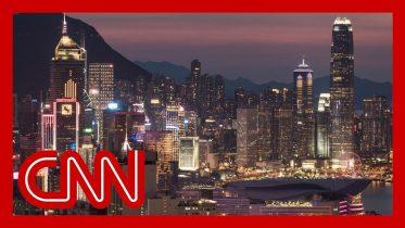 Hong Kong falls into recession after a decade 10