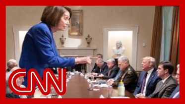 Internet melts down over Pelosi photo 1