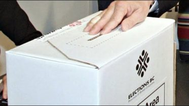 Elections Canada: Voters not allowed to take 'ballot selfies' 9