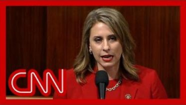 See Katie Hill give her resignation speech on House floor 1