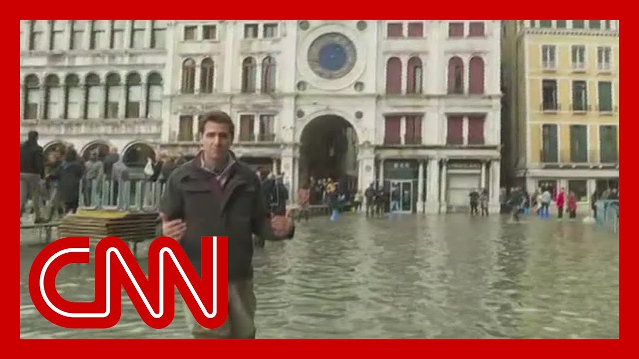 Venice sees worst floods in 50 years 7