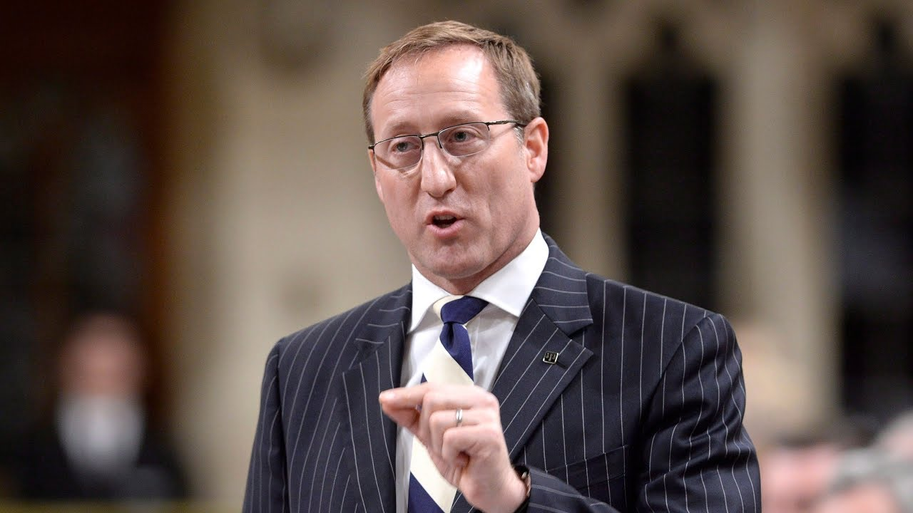 Peter MacKay says he'll support Andrew Scheer in a leadership review 3