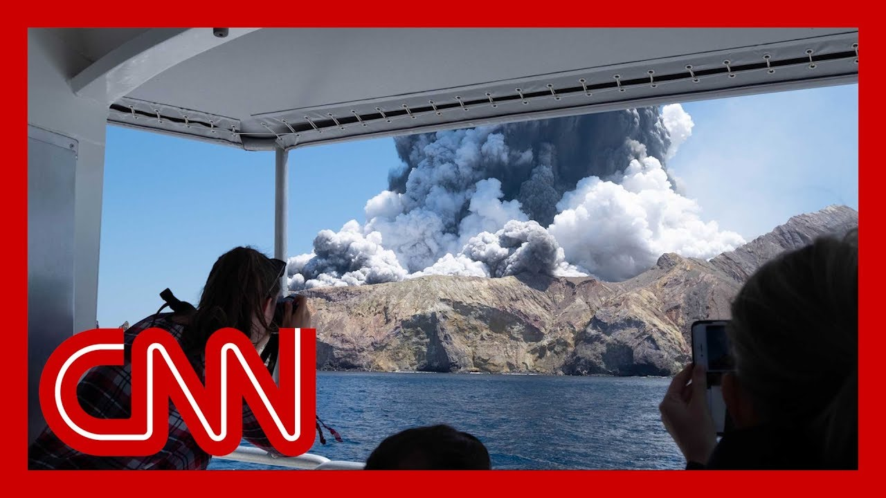 Fatal volcanic eruption in New Zealand caught on camera 5